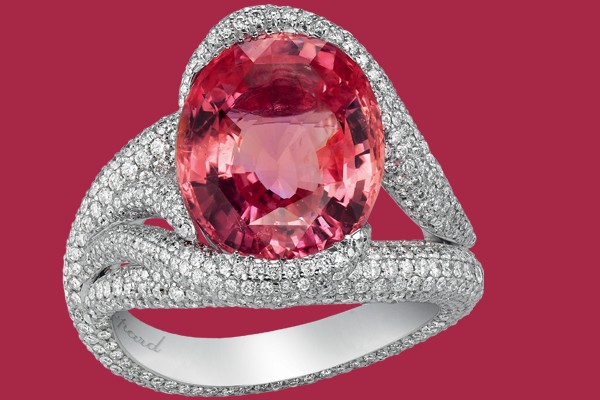 chopard A GLORIOUS PADPARADSCHA SAPPHIRE AND DIAMOND RING